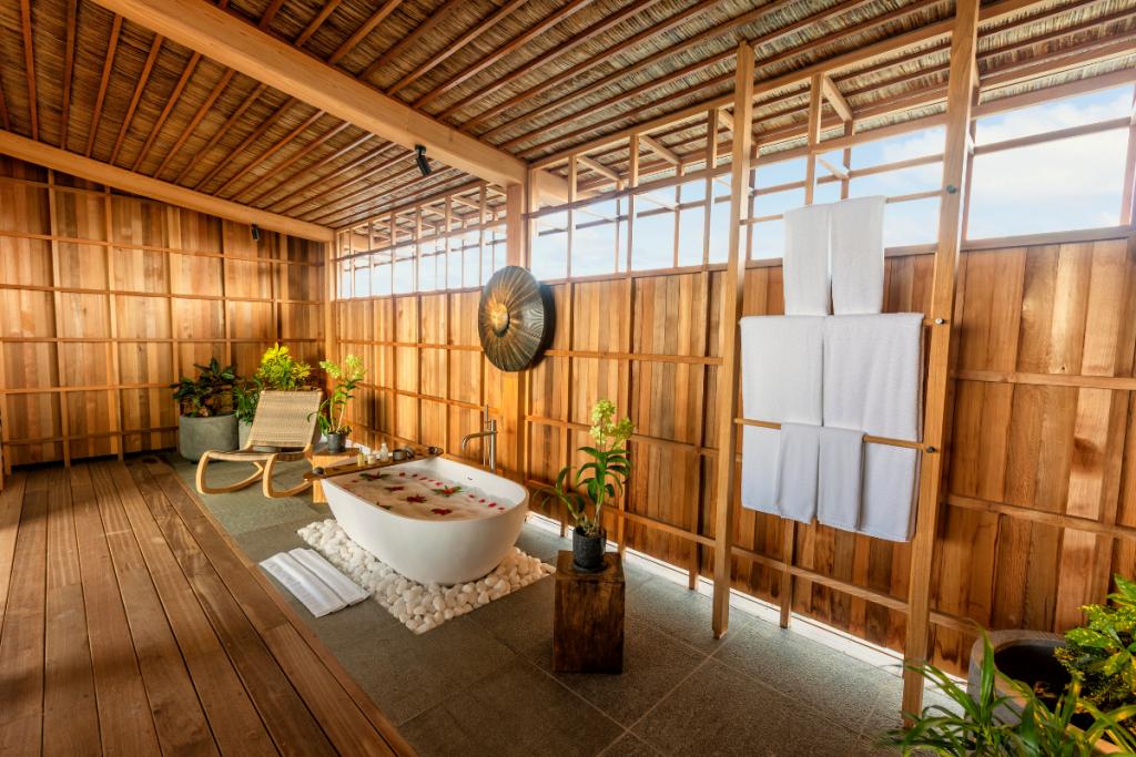 Japanese minimalist hotel bath in Maldives